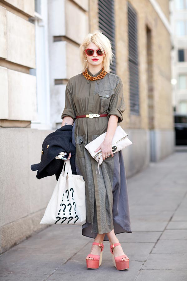 Remarkable Peaches Geldof accessorizes a shirt dress with vintage looking finds  600 x 900 · 67 kB · jpeg