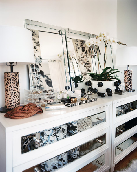 Lonny - Eclectic+Decor+white+dresser+topped+mirrors
