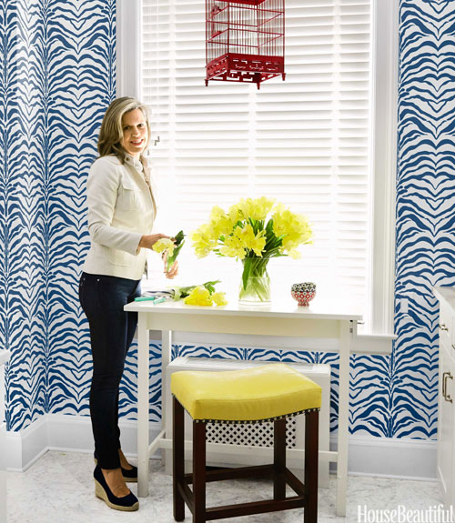 07-hbx-bright-yellow-kitchen-stool-whittaker-0713-xln