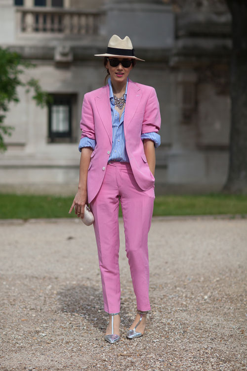 hbz-couture-day-2-pink-suit-fedora