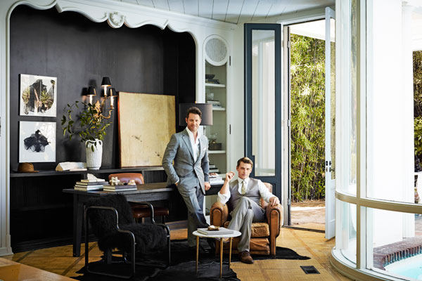 hbz-fashionable-life-nate-berkus-living-room-portrait-lgn