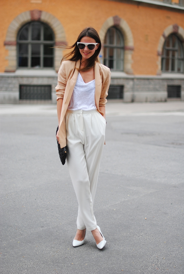 stockholm, zina, fashionvibe, white shoes, wedges, sweden, white pants, high waisted, silk blazer
