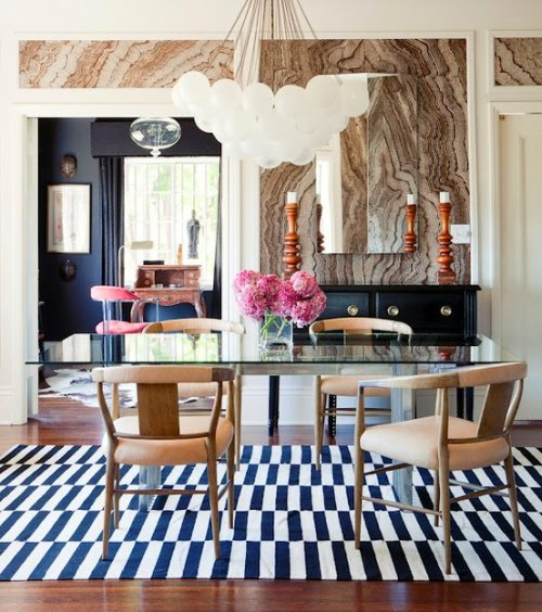 Elle_Decor_Kelly_Wearstler_Marble_Wallpaper_Charcoal_Stripe_Madeleine_Weinrib_Dining_Room