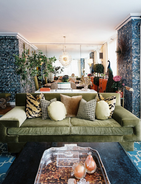 Lonny_Green_velvet_sofa_pattern