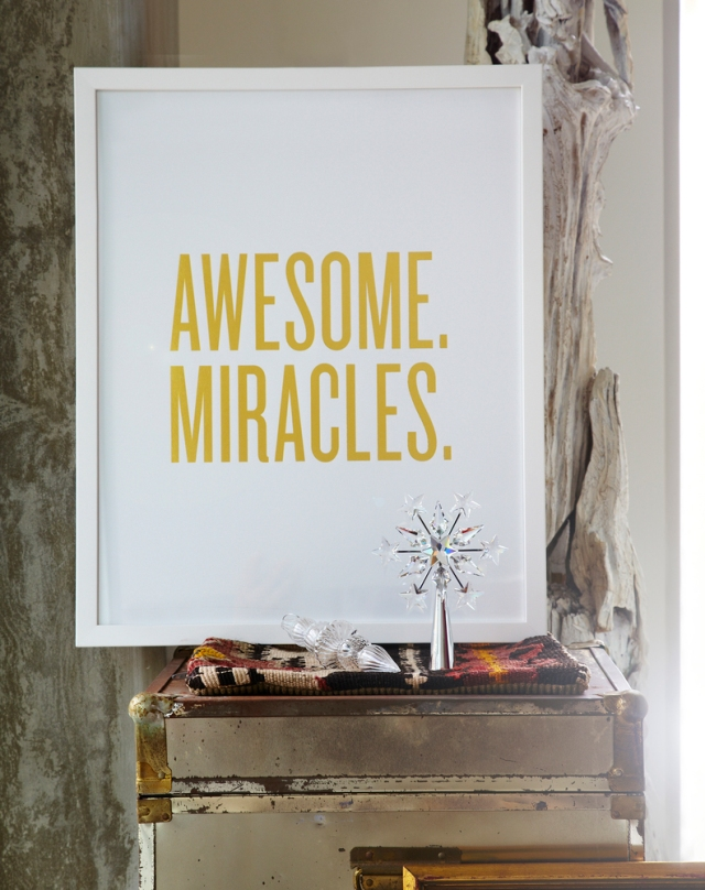 AWESOME._MIRACLES._Gold-White_Frame_Holiday_cropped