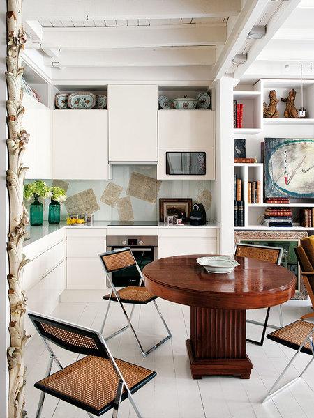 Madrid-open-kitchen-living-el-comedor-con-piezas-antiguas_galeria_portrait