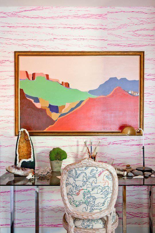 big-style-small-spaces-elitis-geisha-boracai-neon-pink-wallpaper