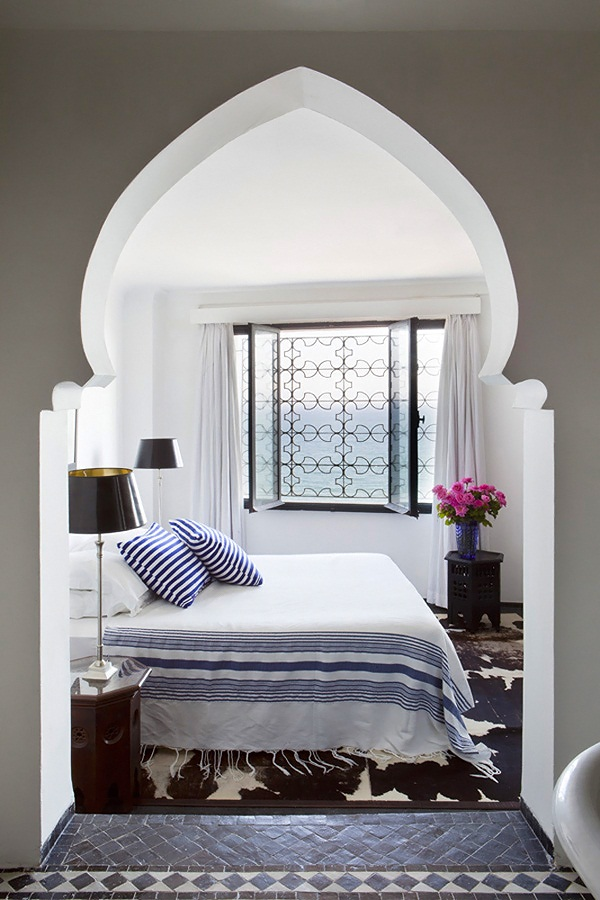 moroccan-coastal-home-bedroom-nicety-travel-lust-thecovetable