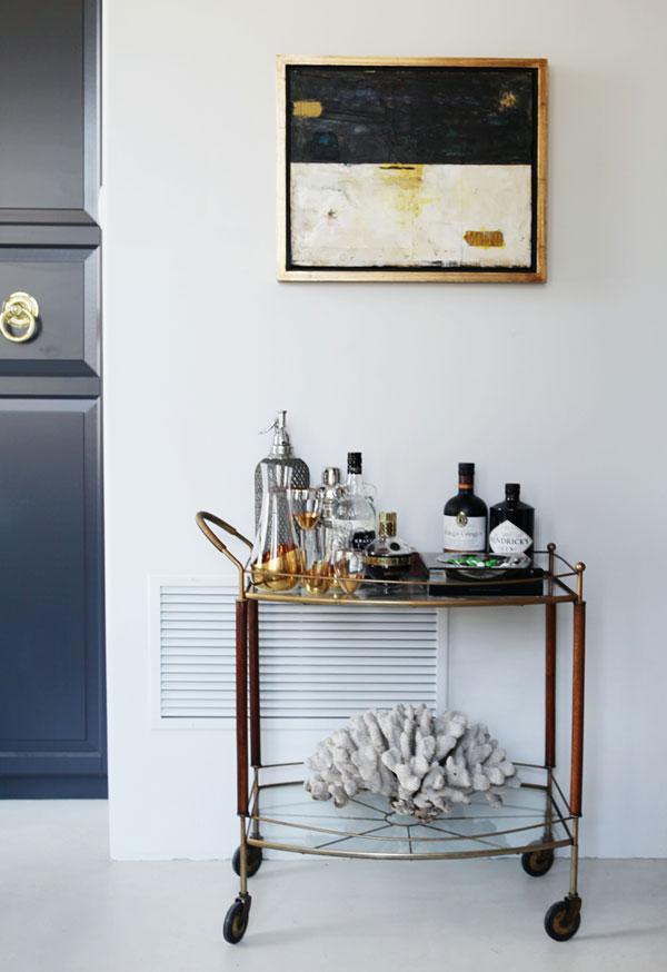 caitlin-caitlin-feminine-loft-bold-palette-sophisticated-chic-bar-cart-brass-apartment-envy-thecovetable