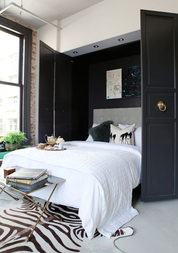 caitlin-caitlin-feminine-loft-bold-palette-sophisticated-chic-bedroom-black-brass-apartment-envy-thecovetable
