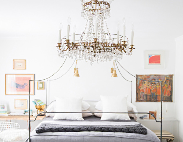 eclectic-modern-traditional-nashville-home-tour-bedroom-thecovetable