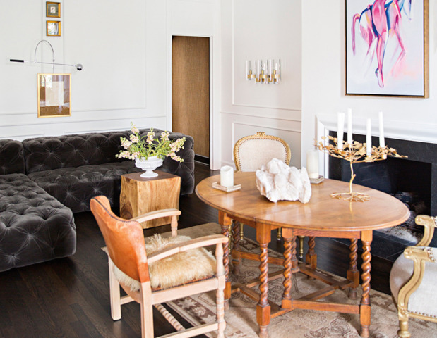 eclectic-modern-traditional-nashville-home-tour-living-room-tufted-sofa-thecovetable