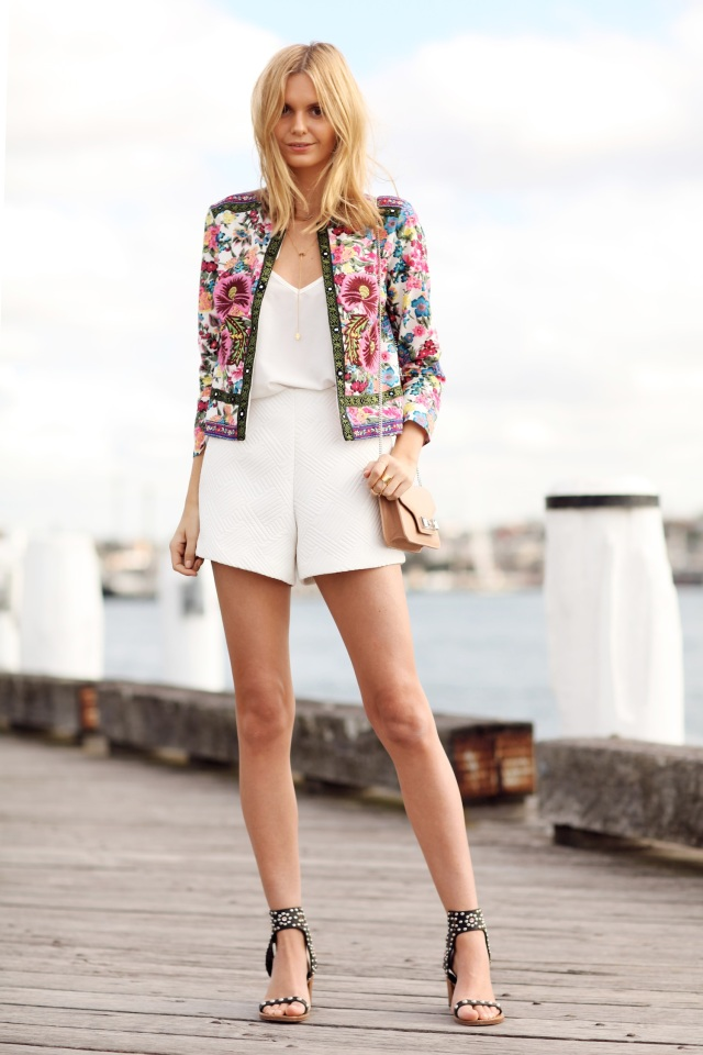 look-of-the-day-tuula-monochrome-floral-jacket-asos-thecovetable
